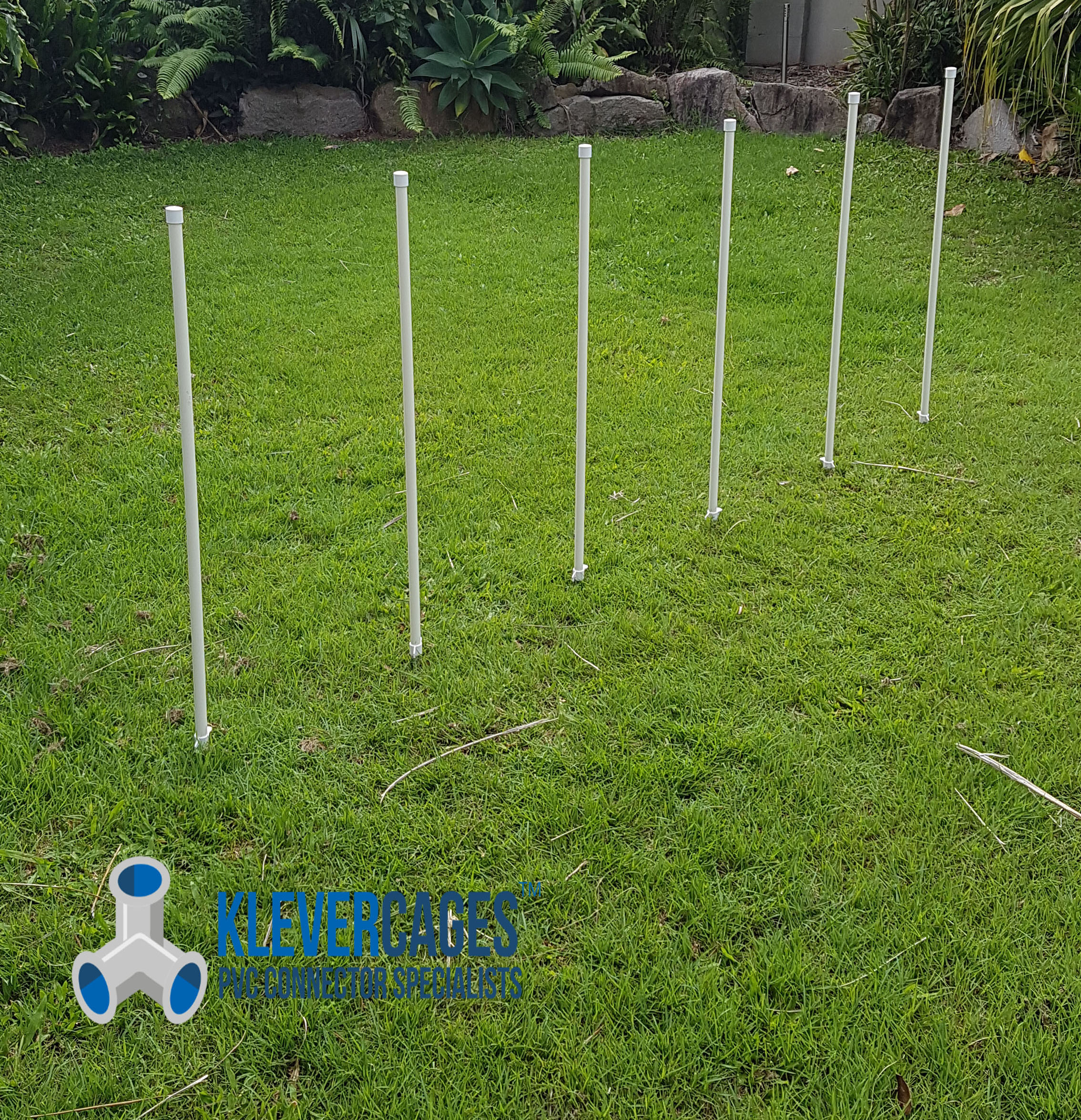 pvc-waeve-poles-from-klever-cages-for-dog-agility-1.jpg